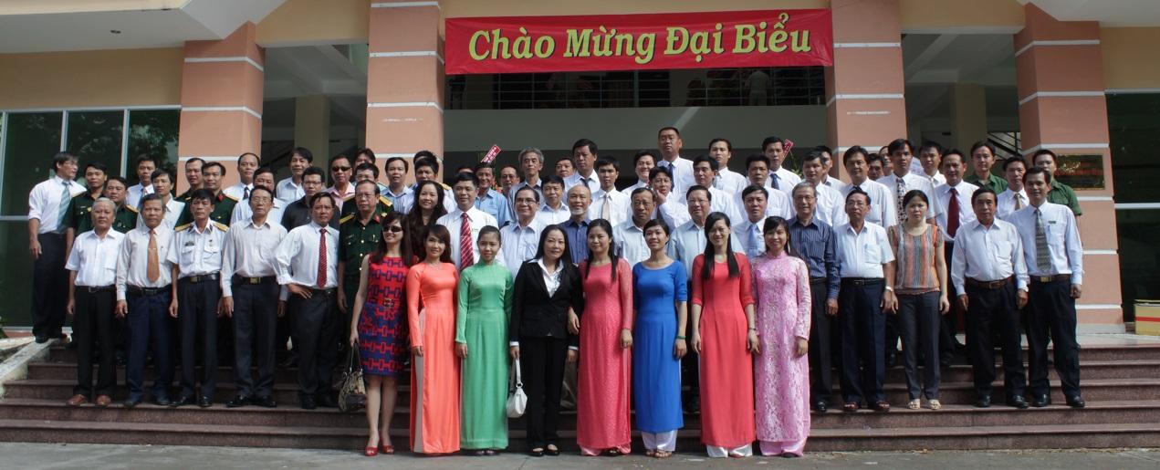 chao-mung-dai-bieu-trung-tam-day-nghe-bach-viet
